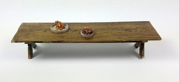 Siliconform TISCH mit 2 Stützen, 4 Teller, Brot und Braten
